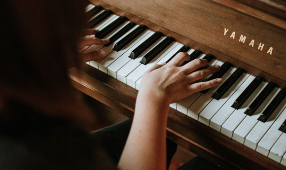 Post Image 6 Musical Instruments That Children Can Learn to Play Piano or keyboard - 6 Musical Instruments That Children Can Learn to Play