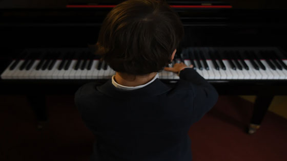 Post Image How to Encourage Your Children to Play Musical Instruments Send child for music lessons - How to Encourage Your Children to Play Musical Instruments